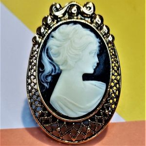 Jewelry - Vintage Victorian Style Faux Cameo Female Figural